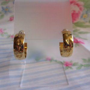 Vintage Engraved Gold Tone Hoop Pierced Earrings